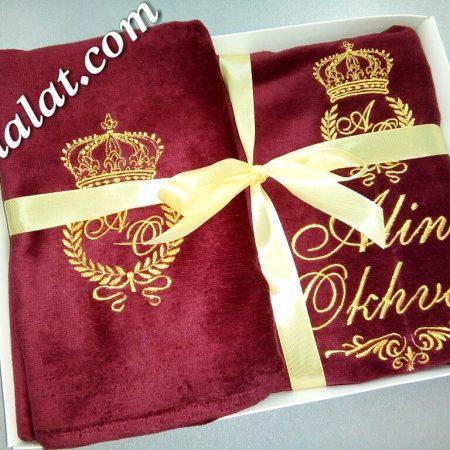 Пурпур и золото – махровые полотенца для короля станут замечательным подарком, достойным королевской особы.