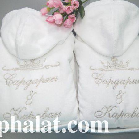 Белоснежные парные банные халаты Семья