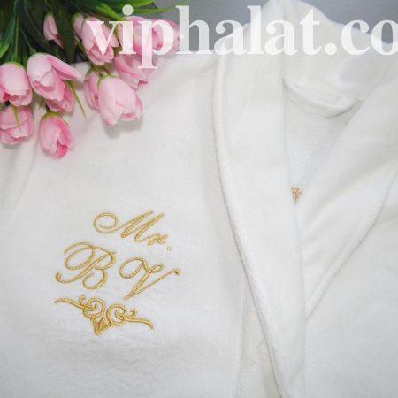 Махровый халат как фирменная одежда