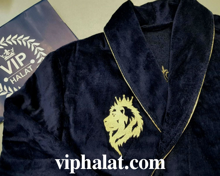 Халат с вышивкой льва 2